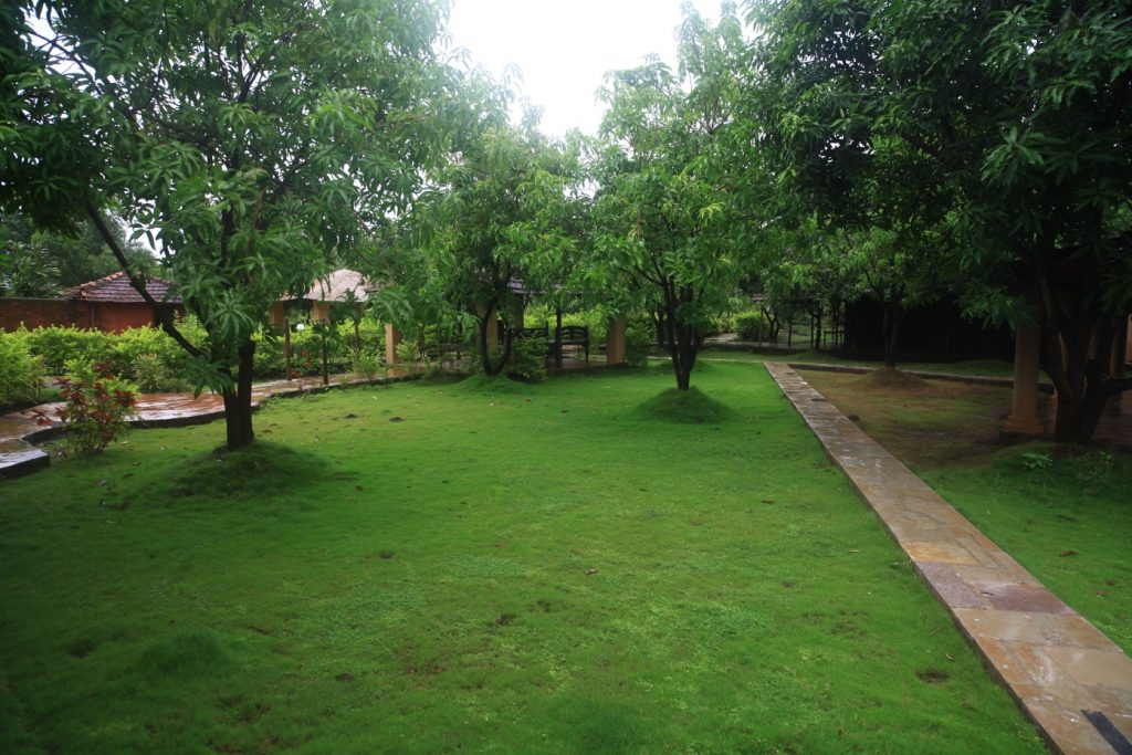 monsoon getaway at SS Mango Huts in Khopoli